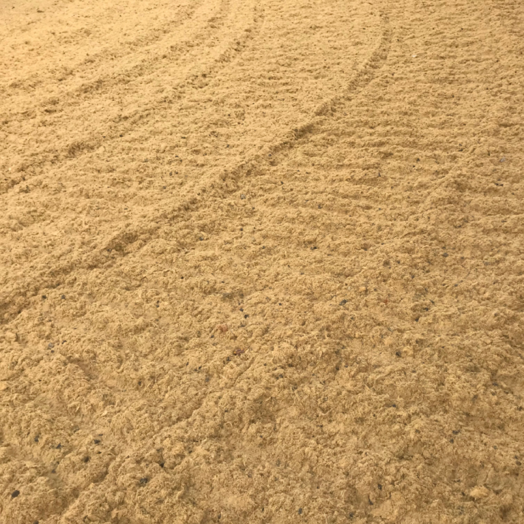 golden sand with mixed fibres